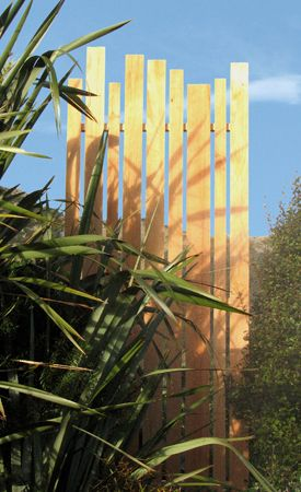 Garden design sculptural screen for Landscape design christchurch nz