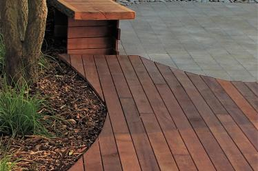 Curved hardwood decking and built-in seat